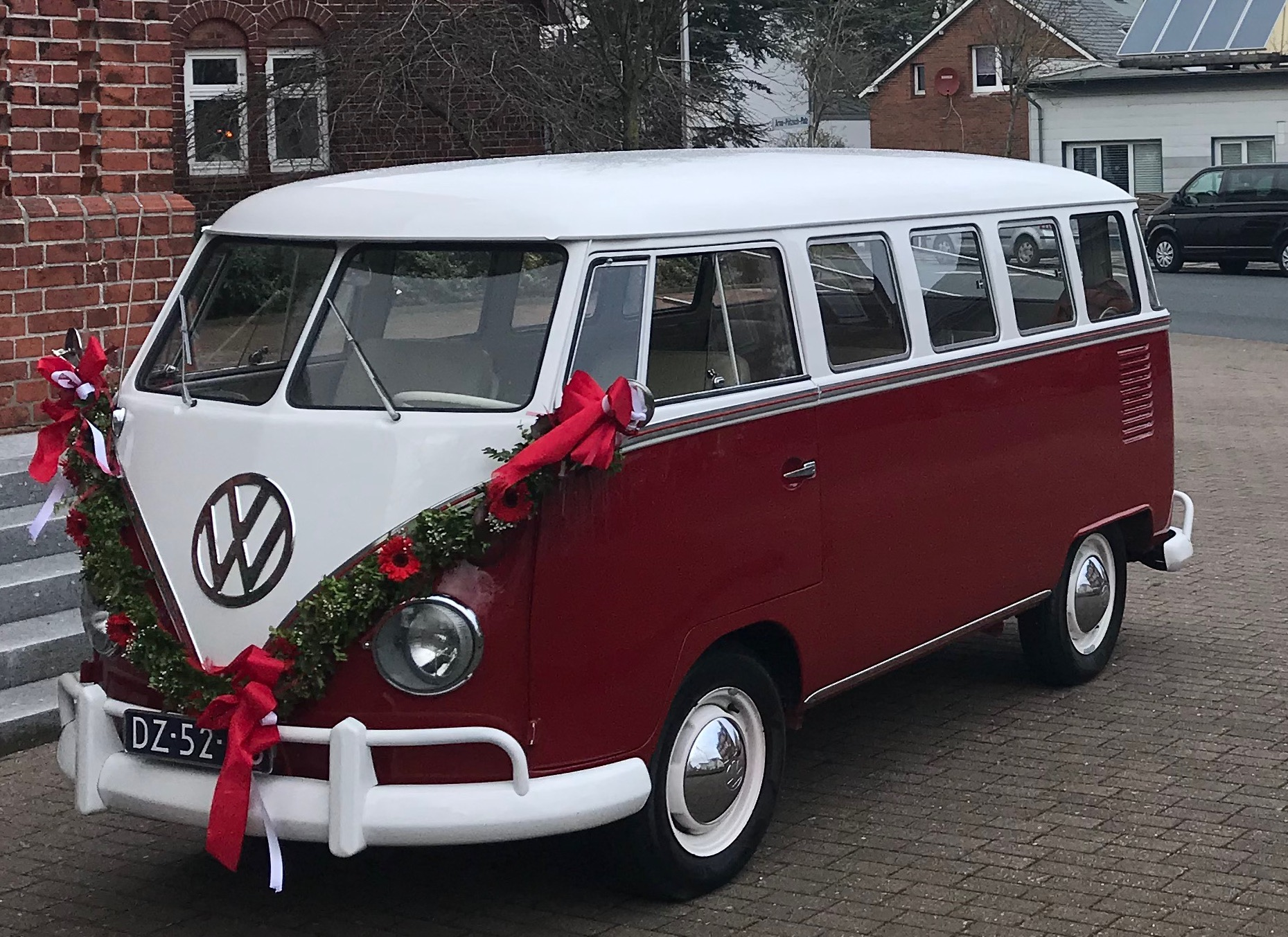 VW Bulli T1 Rot Red flower 1963 Hippiebus Oldtimerauto