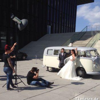 Hochzeitsbulli mieten Volkswagen T1 Weiss hell Grau in 45964 Gladbeck