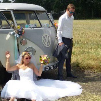 Hochzeitsbulli mieten Volkswagen T1 Weiss hell Grau in 48619 Heek