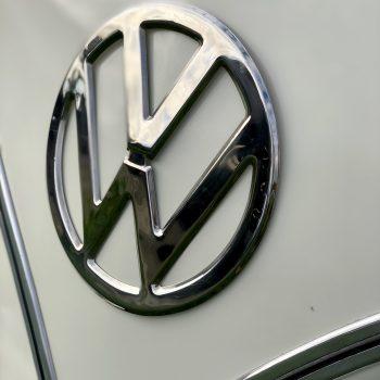 Das Schöne Volkswagen Emblem aus Chrom